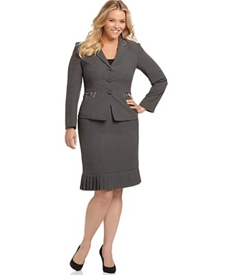 What do big women wear for an interview?